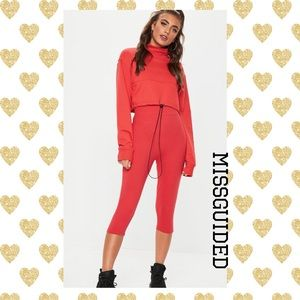 (E) MISSGUIDED▪️RED CAPRI LEGGINGS